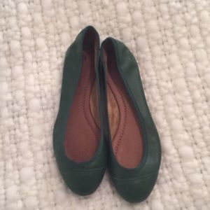 NWOT Kelly green ballet flats leather